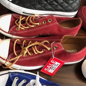 Converse low top suede like soft